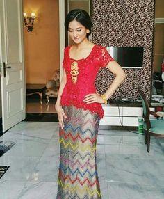 Ugb Kebaya Lace, Kebaya Brokat, Batik Kebaya, Batik Dress, Lace Dress, Kebaya Bali Modern, Indonesian Kebaya, Kebaya Wedding, Model Kebaya