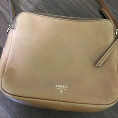 ‼️SALE‼️Fossil Crossbody Only used a few times. In really excellent condition. No tarnish or scratches. Fossil Bags Crossbody Bags