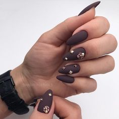 Matte beautiful by @shabalina_nails