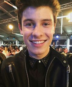 Does any one notices Shawn's eye teeth r longer. Maybe Thts why he calls him self a vampire.