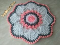 Crochet Flower Patterns, Crochet Flowers, Knitting Patterns, Happy Holi, Mirror Work, Thread Work, Christmas Candles, Thing 1, Baby Cardigan