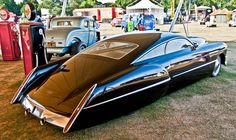 Cadzzilla: a custom hot rod built by coachbuilder Boyd Coddington and designed by Larry Ericson. The base car is a 1948 Cadillac Series 62 Sedanette, customized for Billy Gibbons of ZZ Top. Cadillac Ats, Cadillac Eldorado, Vintage Cars, Antique Cars, Auto Retro, Roadster, Lamborghini, Bugatti, Hot Rides