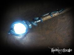 LARP Weapon: Prometheus V — latex staff with eerie light Costume Tutorial, Cosplay Tutorial, Cosplay Diy, Cosplay Costumes, Cosplay Ideas, Larp, Loki Costume, Warlock Costume, Wizard Costume
