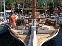 First Dream built Sun Lounger, Melbourne, Boat, Australia, Building, Outdoor Decor, Toulon, Chaise Longue, Dinghy