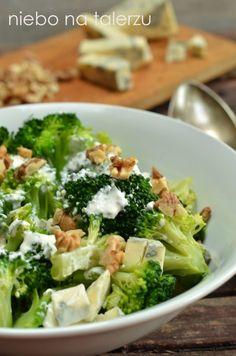 Sałatka brokułowa z serem pleśniowym - niebo na talerzu Anti Pasta Salads, Pasta Salad Recipes, Fruit Recipes, Diet Recipes, Cooking Recipes, Healthy Recipes, Pasta Lunch, Coleslaw, Healthy Salads