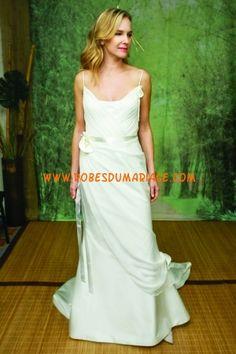 Adele Wechsler belle robe de mariée longue avec bretelles col en U au drapé satin