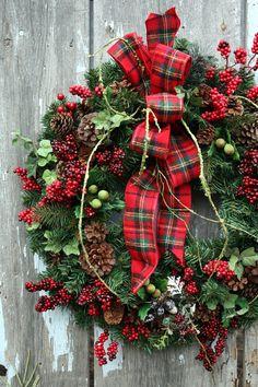 Christmas Wreath Plaid Ribbon Red Berries