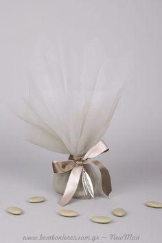 Wedding Candy, Wedding Favours, Wedding Bells, Diy Wedding, Candle Packaging, Greek Wedding, Chocolate Decorations, Confetti, Favors
