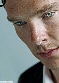 "Benedict Cumberbatch has galaxies in his eyes! Such beauty - "" Tom Hiddleston Benedict Cumberbatch, Sherlock Cumberbatch, Benedict Cumberbatch Sherlock, Khan Benedict, James Watson, Avengers Actors, Man Thing Marvel, Sherlock John, Johnlock"