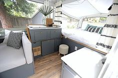 34 Wonderful Glamper Camper Trailer Remodel - There are several choices of towable campers: travel trailers, fifth wheel campers, toy haulers, hybrid campers and pop up or tent campers. The camper. Popup Camper Remodel, Camper Renovation, Diy Camper, Camper Van, Small Pop Up Camper Remodel, Camper Remodeling, Camper Hacks, Camper Life, Rv Life