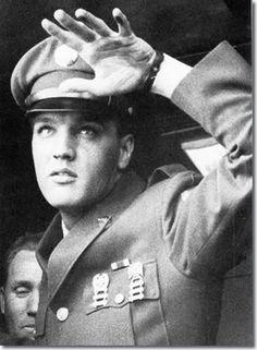 Elvis at Roanoke Station 1960 - En route to Memphis