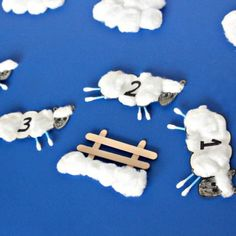 This counting sheep craft is fun way to teach your toddler how to count! Did we mention that it's easy to create with materials that you can find at home?