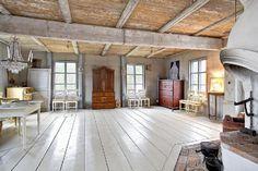 Old Home Remodel, Old Cottage, House Inside, Scandinavian Living, Cottage Interiors, Cottage Design, Old Houses, My Dream Home, Interior And Exterior