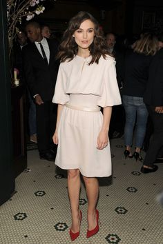 Happy Birthday Keira Knightley! – Ihre Stil-Evolution in 30 Outfits – SI Style