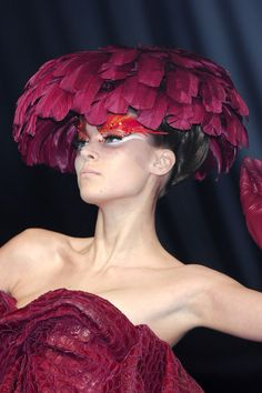 Christian Dior Couture Details Spring 2008 - Indulge in a Decade of Dior Couture Runway Details - Photos
