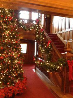 A Glensheen Christmas - Foyer