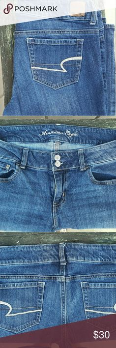 American Eagle Artist Jeans ~Size: 12 ~Inseam: 31 ~Color: Dark Wash ~Condition: Gently Used American Eagle Outfitters Jeans