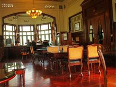 If you wish a romantic Coffee Break, Cafe' De Norasingha at Phayathai palace is the perfect place. The Cafe De Norasingha is located inside Phaya Thai Palace building, a hundred year old palace near Victory Monument. Inside the Cafe the unique design has a classic look and feel, decorated with custom-made replicas of furniture during the reign of The King Rama VI, a 100 years ago, which creates a wonderful atmosphere.     Open weekday : 8:00 am to 7:00 pm.    weekend : 11:00 am to 7:00 pm.
