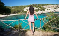 Playas perfectas para septiembre y Octubre. Vista de cala Macarella, en la isla de Menorca.