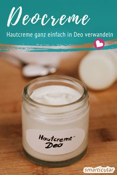 Das simpelste, hautfreundliche Natron-Deo: Hautcreme in Deo verwandeln All you need to make a particularly simple deodorant cream is your favorite skin cream and baking soda. Guaranteed to be effective, skin-friendly and quickly made! Homemade Deodorant, Skin Toner, Face Skin Care, Skin Cream, Eye Cream, Body Lotion, Good Skin, Diy Beauty, Skin Care Tips