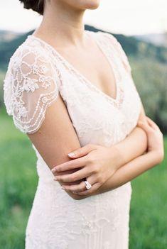 Lace detail of a modern bride's organic and intimate destination wedding in Italy. #whiteweddings #minimalbrides #elegantbrides #laceweddingdress Making A Wedding Dress, Used Wedding Dresses, Bridal Dresses, Wedding Gowns, Lace Weddings, White Weddings, Jenny Packham, Bride Look, Italy Wedding