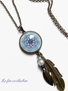 collier sautoir * mandala bleu * motif  ethnique rosace Maroc bleu , cabochon verre Stamped Jewelry, Resin Jewelry, Jewelry Crafts, Jewelry Art, Mandala Bleu, Nail Polish Jewelry, Homemade Jewelry, Bijoux Diy, Polymer Clay
