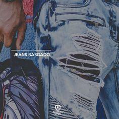 Depois de muito uso seu jeans rasgou? Aproveite para criar um look bem deposjado 😎 #Customizar #Reaproveitar #RadicalChic #ModaMasculina #Ipatinga #TodaHoraÉ