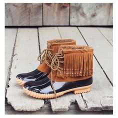 """• Fringe Duck Boots • Gorgeous black and brown duck boots with fringe detail. Designed with soft sherpa lining on the inside to keep you warm, rubber base and sole for wet weather and a lace up front. Pair these with leggings and a matching sweater for a beautiful look! PLEASE DO NOT purchase this listing. Comment your size below and I'll make a new listing for you.  1"""" heel height Runs true to size Jennifer's Chic Boutique Shoes Winter & Rain Boots"""