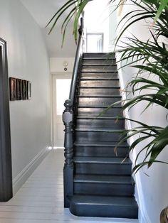 HOME & DECOR Black painted staircase, Farrow & Ball Railing stairs, painted floors. Black Painted Stairs, White Painted Floors, Painted Floorboards, Black Floor Paint, Black Floorboards, Black Staircase, Staircase Design, Black Stair Railing, Modern Staircase