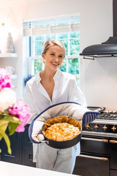 The Ultimate Feta & Spinach Filo Pastry Pie - Inthefrow Filo Pastry Pie, Filo Pastry Sheets, Spinach Pie, Spinach And Feta, Banana Bread Recipes, Kitchen Recipes, Yummy Food, Yummy Lunch, Healthy Food