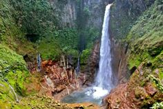 Waterfalls You Must Visit in Costa Rica.