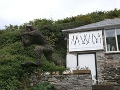 Discover The Museum of Witchcraft & Magic in Boscastle, England: The world's largest collection of witchcraft regalia. Witchcraft History, Uk Bucket List, 10 Picture, Cornwall, Brighton, Worlds Largest, Places To See, Tourism, Art Gallery
