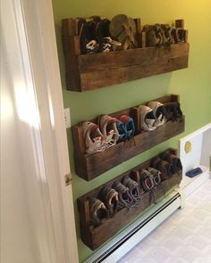 16 Easy DIY Pallet Furniture Ideas to Make Your Home Look Creative www.onechitec… 16 Easy DIY Pallet Furniture Ideas to Make Your Home Look Creative www.