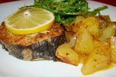 Existem diversas formas de cozinhar a pescada. Este tipo de peixe é geralmente muito utilizado para cozer. No entanto, a pescada é, igualmente boa, cozinhada de muitas outras maneiras, como …