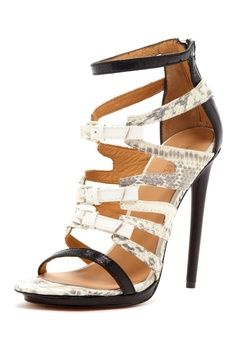 Jem Strappy Buckle Sandals//