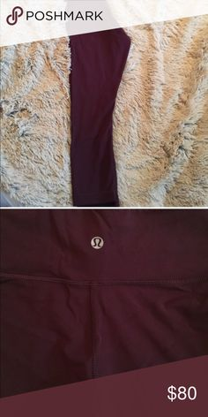 Lulu crop leggings in beautiful Maroon color Perfect fit, low rise waist and comes to calf on pant. In good condition. lululemon athletica Pants Leggings