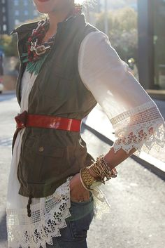 Love the delicate sleeves and the layer of necklaces.