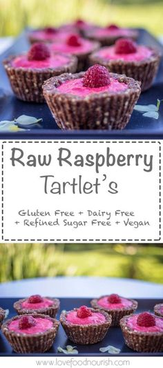 Raw Raspberry tartlets - These delivious raw tartlets are bursting with delicious raspberries, they require no baking and are very simple to prepare. This healthy raw vegan dessert is a delicious treat for adults and kids. Gluten free, dairy free, sugar f Healthy Vegan Dessert, Coconut Dessert, Cake Vegan, Raw Vegan Desserts, Oreo Dessert, Sugar Free Desserts, Vegan Sweets, Gluten Free Desserts, Dairy Free Recipes