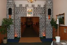 Kids Castle, Medieval Party, Knight Party, Cardboard Castle, Vbs 2016, Vbs Crafts, Vacation Bible School, Kids Church, Halloween Themes
