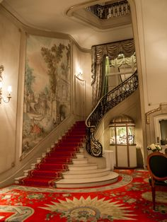 hotel architecture The Ritz, London - jinxs - hotel Beautiful Interiors, Beautiful Homes, Beautiful Places, Grand Staircase, Staircase Design, Casas Magnolia, Flur Design, Stairway To Heaven, Boutique Hotels