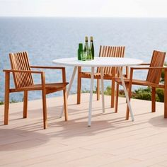 Amaze Dining Armchair by Cane-Line Amaze is a series of outdoor teak furniture, designed by the danish design team Foersom & Hiort-Lorenzen.The Amaze dining chair is handmade by skilled craftsmen, and has a unique seating comfort. Outdoor Dining Furniture, Pool Furniture, Outdoor Chairs, Furniture Design, Dining Chairs, Dining Table, Outdoor Decor, Furniture Ideas, Modern Furniture