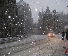 Snowy Night, Edinburgh, Scotland photo via christian