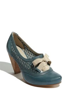 I have a similar pair in black and I love them. This is a great color to add to your wardrobe. shoes | elfsacks