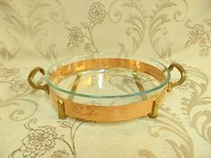 Shabby Chic Kitchen, Farmhouse Style Kitchen, Country Farmhouse, Copper Kitchen Accessories, Copper Material, Copper Pots, French Chateau, Pyrex, Cookware