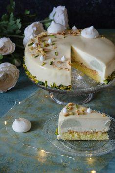 Tort cu fructul pasiunii si ceai matcha - Din secretele bucătăriei chinezești Beautiful Cakes, Matcha, Camembert Cheese, Panna Cotta, Dairy, Cookies, Ethnic Recipes, Film, Pretty Cakes