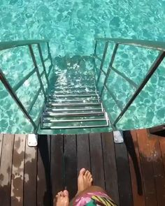 Turquoise waters in Maldives 💦 Beautiful Places To Travel, Beautiful World, Piscina Diy, Maldives Resort, Beach Wallpaper, Beautiful Nature Wallpaper, Foto Pose, Fantasy Landscape, Adventure Is Out There