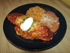 Jess's Chicken Enchiladas - Full of flavor and super delicious. This takes homemade Mexican food to the next level! Make some for dinner tonight, you won't be sorry! Shrimp Taco Recipes, Mexican Food Recipes, Chicken Recipes, Ethnic Recipes, Taco Meal, Tuesday Recipe, Homemade Sauce, Chicken Enchiladas, Dinner Tonight