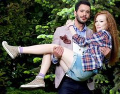 Elcin Sangu, Prettiest Actresses, Turkish Beauty, Bae Suzy, Turkish Actors, Film Movie, Barista, Plaid Scarf, Men Casual