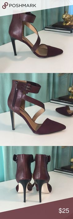 Just fab gorgeous heels in dark burgundy red 7.5 Heels faux suede and leather combo 7.5 Burgundy red JustFab Shoes Heels