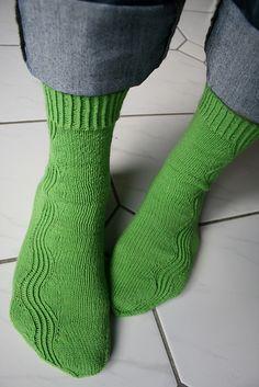 cool socks/ free pattern on Ravelry